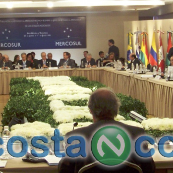 Cumbre Mercosur . Congreso y Convenciones