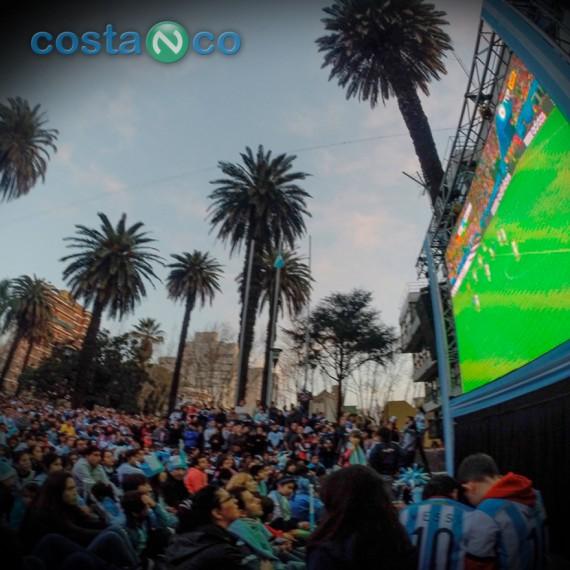 Pantalla Gigante en Plaza San Martin para el Mundial